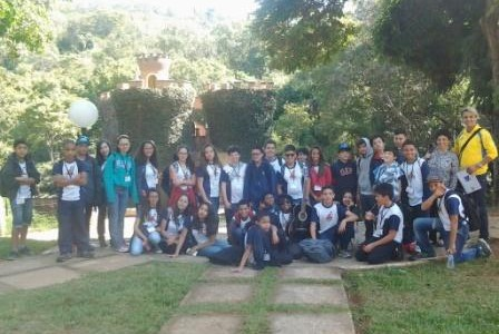 Com os olhares atentos e interessados, os alunos do 7º Ano, do Colégio Arquidiocesano de Ouro Preto, mediados pelo professor […]